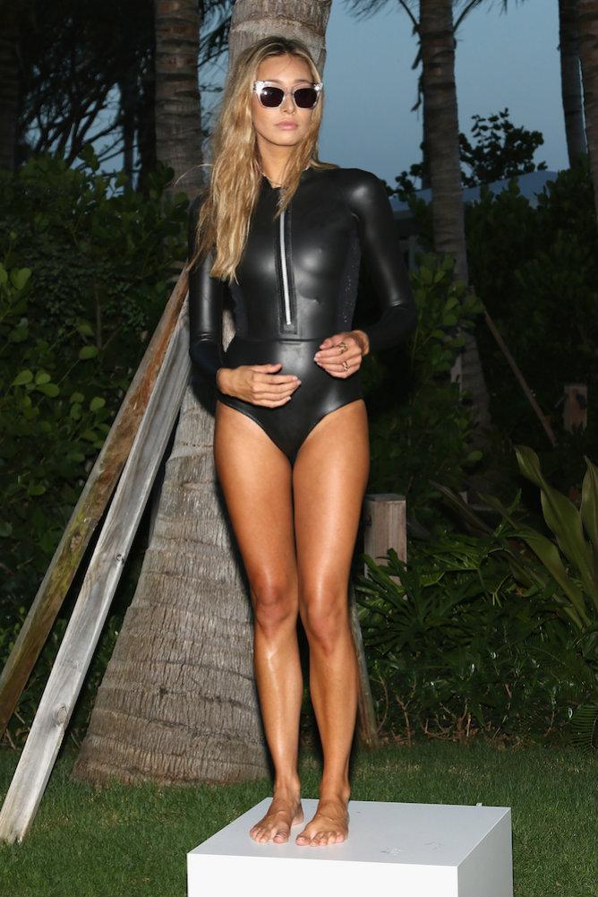 Неделя-пляжной-моды-в-Майами-Лучшие-купальники-2016-6
